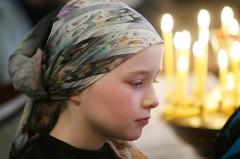 Крещенская вода – молодежь на раздаче