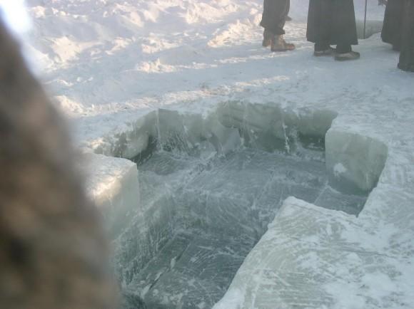 Поселок Хандыга по пути из Якутска в Магадан. Река Алдан