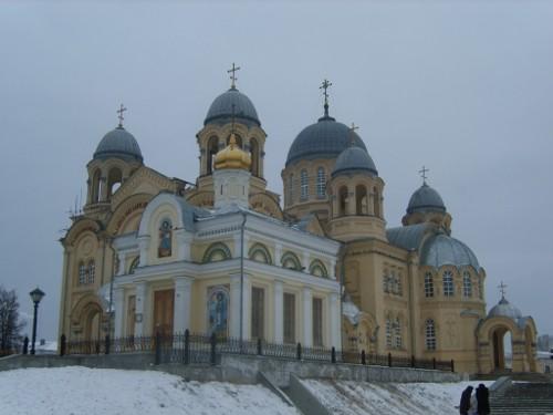 Преображенский собор. Здесь лежат мощи святого Симеона.