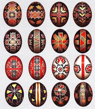Как красят пасхальные яйца