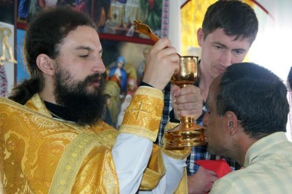 http://www.pravmir.ru/wp-content/uploads/2011/05/241264_199783366733270_100001048252759_551399_2506104_o-580x386.jpg