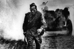 Война глазами солдата, ползущего по фронтовой грязи