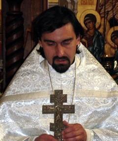 http://www.pravmir.ru/wp-content/uploads/2011/06/fralexey.jpg