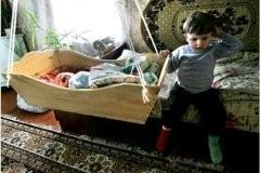 Старший ребенок в семье: повинность или привилегия?