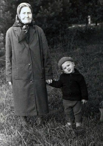 С няней - дивеевской монахиней Евдокией Ивановной Фроловой