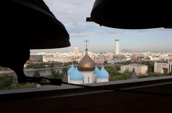 Вид с колокольни Спасо-Преображенского собора, расположенного на территории монастыря. Фото Юлии Маковейчук