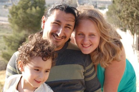 Гавриил Налбандян с женой Дарьей и сыном Мишей