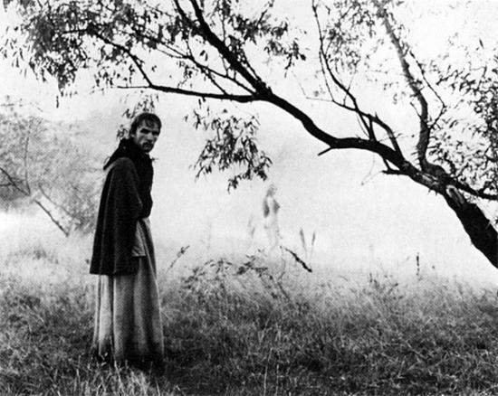 """Кадр из фильма """"Андрей Рублев"""", режиссер Андрей Тарковский, 1966 год."""