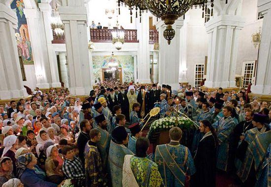 Принесение Курской-Коренной иконы Божией Матери «Знамение» в Вознесенский кафедральный собор города  Алматы, 21 сентября 2011 года