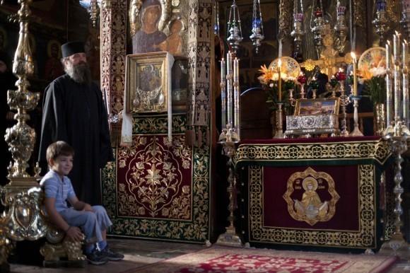 В собороном храме Обители на престольном празднике Честного Пояса Пресвятой Богородицы