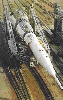 Ракета «Н-1» в процессе транспортировки на стартовую позицию