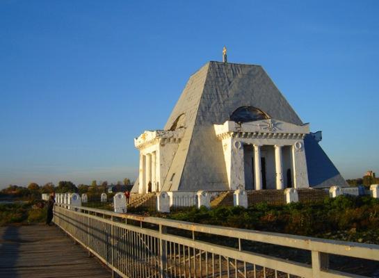 Храм-памятник Спаса Нерукотворного Образа в Казани