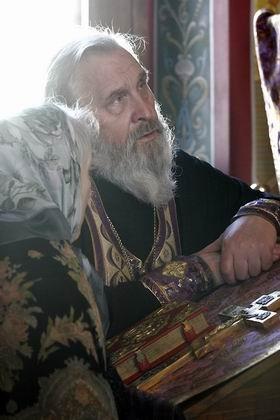 Отец Георгий принимает исповедь