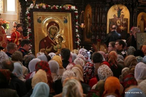 Встреча списка Иверской иконы Божьей Матери со святой горы Афон в Вознесенском храме г.. Павловский Посад, апрель 2010.