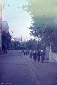 oldmos.ru. Возле храма Ильи Пророка в Обыденском переулке, 1970 г.