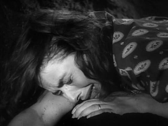 """Кадр из фильма """"Стромболи, земля Божия"""""""
