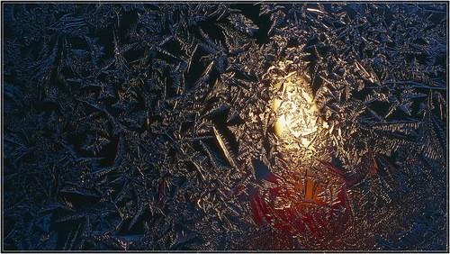 Зимние узоры на стекле. http://mockva44.ya.ru