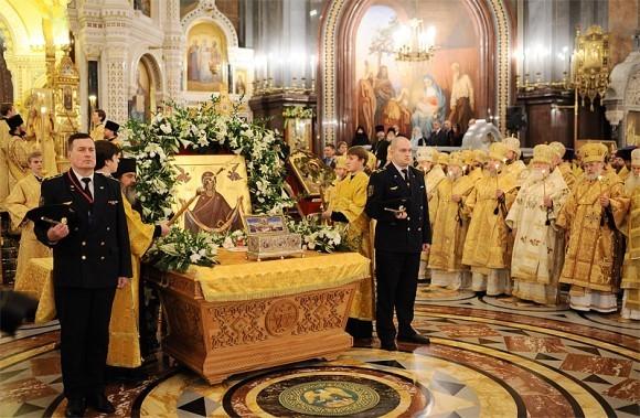 Пояс Пресвятой Богородицы в Москве. Фото Патриархия.ру (10)