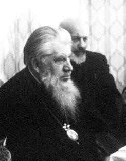 Митрополит Иоанн (Вендланд) и протоиерей Глеб Каледа.