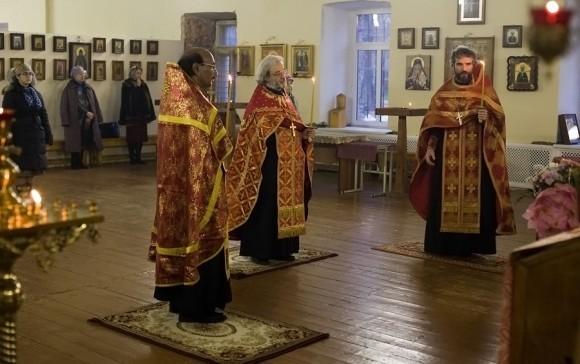 священник Иоанн Танвеер в Москве. Фото Анатолия Данилова (1)