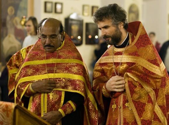 священник Иоанн Танвеер в Москве. Фото Анатолия Данилова (3)