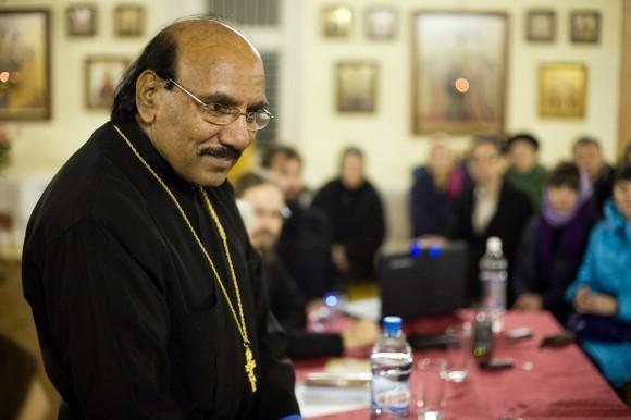 священник Иоанн Танвеер в Москве. Фото Анатолия Данилова (27)