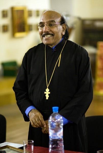 священник Иоанн Танвеер в Москве. Фото Анатолия Данилова (30)