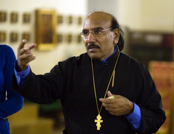 священник Иоанн Танвеер в Москве. Фото Анатолия Данилова (32)