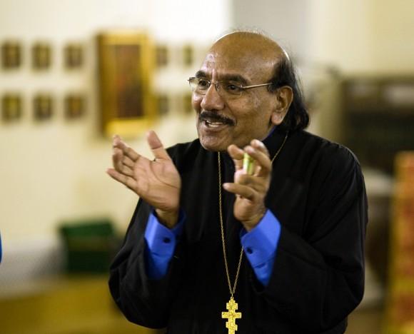 священник Иоанн Танвеер в Москве. Фото Анатолия Данилова (33)