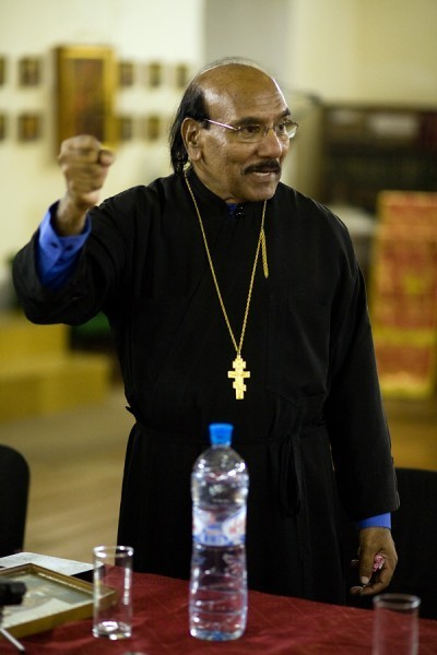 священник Иоанн Танвеер в Москве. Фото Анатолия Данилова (35)