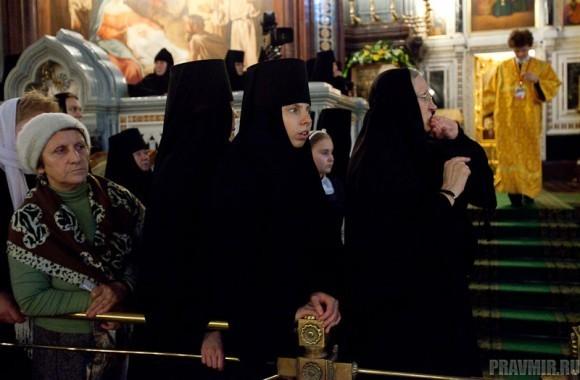 Пояс Пресвятой Богородицы в Москве. Фото Юлии Маковейчук (12)