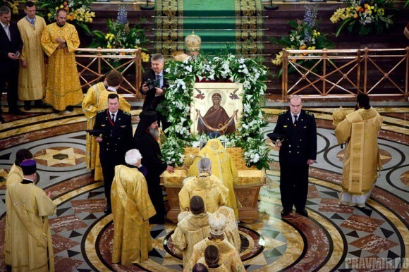 Пояс Пресвятой Богородицы в Москве. Фото Юлии Маковейчук (42)