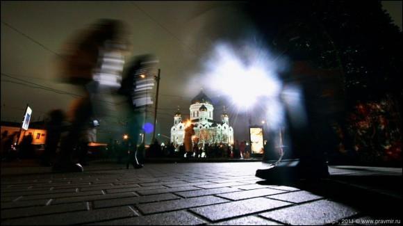 Очередь к Поясу Пресвятой Богородицы. Фото Михаила Моисеева (1)