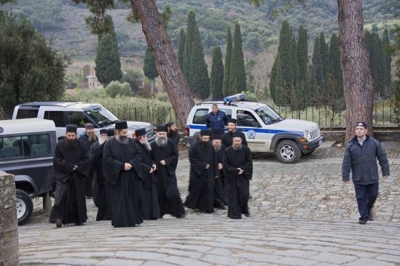 Представители Священного Кинота прибыли в Ватопед