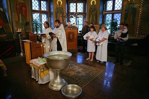 Анна, и еще один сотрудник «Цитадели» стали крестными для детей Марфы