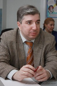 Арсений Замостьянов: Власть потеряла человеческий контакт с обществом