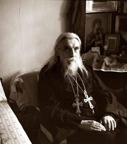 http://www.pravmir.ru/wp-content/uploads/2012/01/3203405495856869797070-530x600.jpg