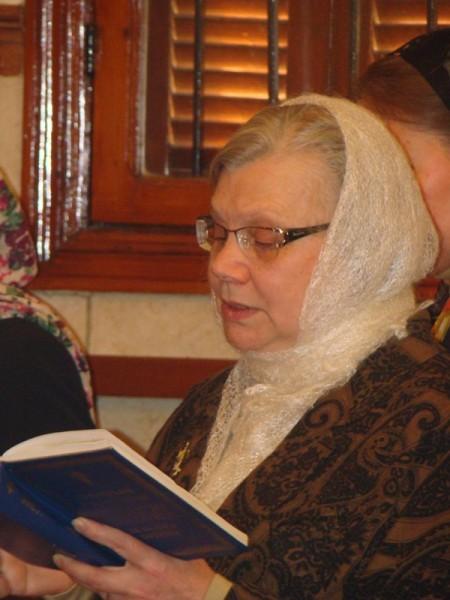 Клир, чтение часов. В Ливане на постоянном жительстве, супруг ливанец.