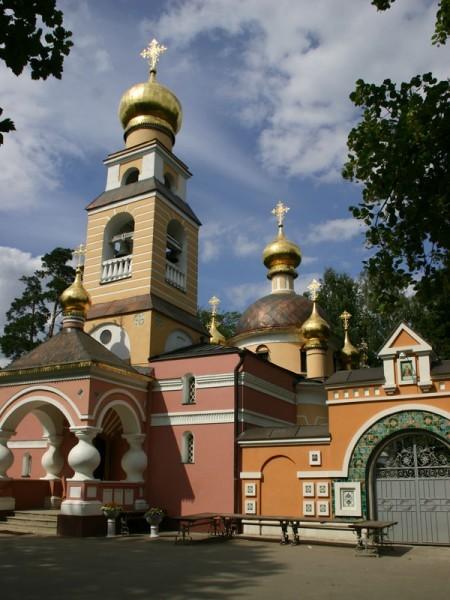 Храм Преображения Господня в Переделкино