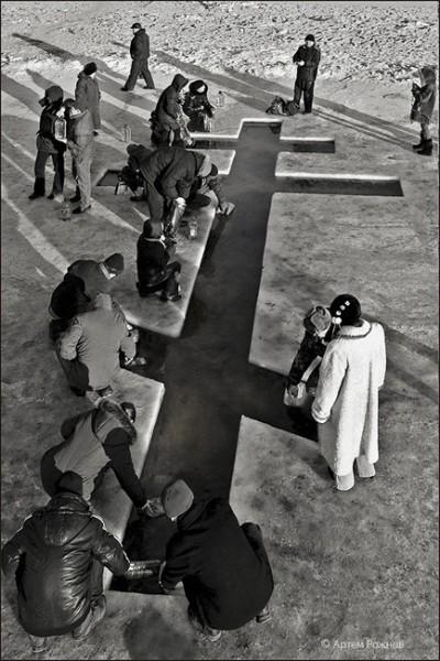 Крещение. фото Артема Рожнова
