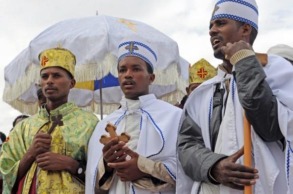 Священники Эфиопской Церкви на Крещение