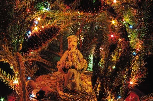Рождество Церкви. Игумен Агафангел (Белых), тележурналист Е. Писарева, дизайнер К. Наумова