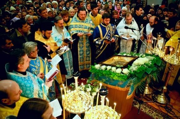 Акафист в Миланском храме свт.Амвросия Медиоланского перед иконой Умягчение злых сердец