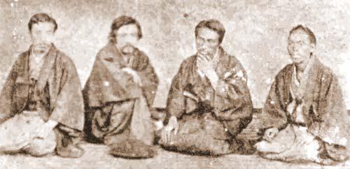 Первые православные христиане-японцы. Фотография приводится по изданию «История Японской Православной Церкви 1» Кафедрального Собора Воскресения Христова, Токио