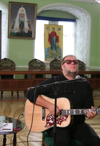 Борис Гребенщиков в МДА. Фото: Миссионерская комиссия при Епархиальном совете г.Москвы