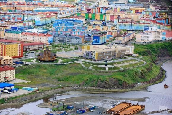 Разноцветный Анадырь. Михаил Шлемов (Анадырь, Чукотский АО)