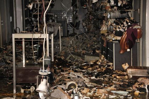 Афины после погромов. Фото Алексея Богдановского, http://alexbogd.livejournal.com