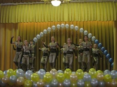 """В ходе акции """"Дорогою добра"""" московская школа собрала 330 тысяч рублей на лечение больного раком подростка"""