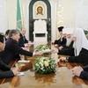Президент Киргизии обещает развивать православие в республике