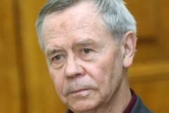 Патриарх Кирилл совершает отпевание Валентина Распутина